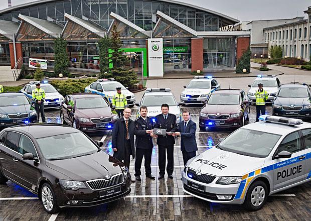 Flotilu vozů dálniční policie posílí rychlé Superby 3.6 V6 FSI