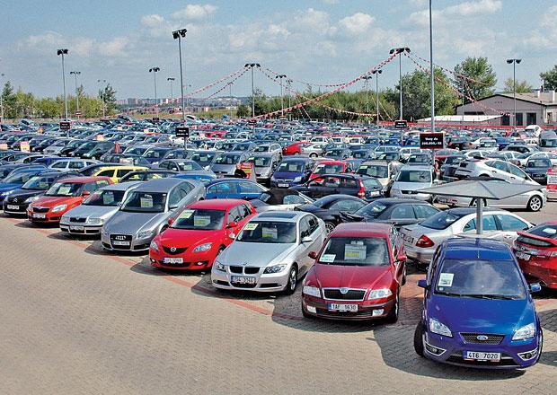 Výkupní ceny starších aut v bazarech mohou klesnout až o desetinu