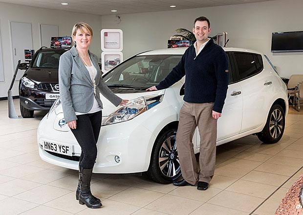 Jubilejní Nissan Leaf má zubař z Velké Británie