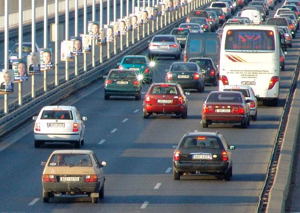 Carsharing: Pra�an� mo�n� budou sd�let a pou��vat vozy