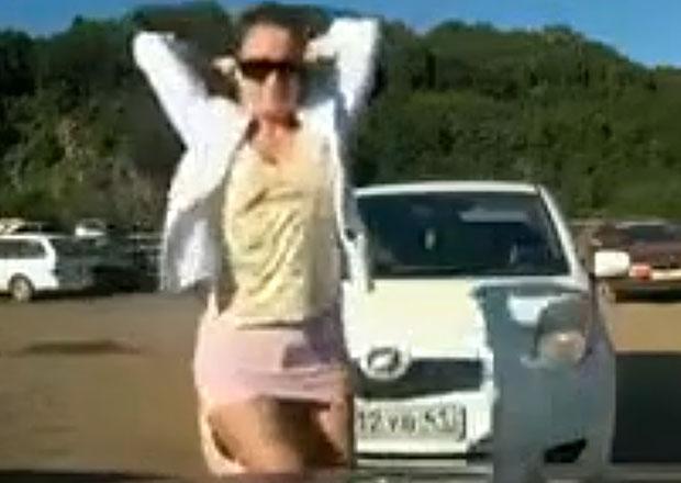 Video: Naštvané přítelkyně neznají mezí