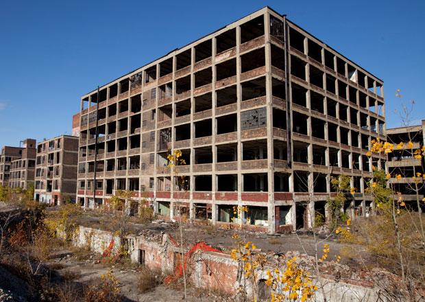 Ruiny detroitské továrny Packardu koupil developer z Peru