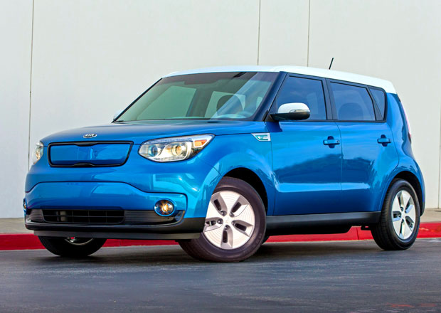 Chicago 2014: Kia Soul EV a facelift Optimy Hybrid