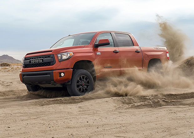 Toyota TRD Pro Series míří proti Fordu F-150 SVT Raptor  (video)