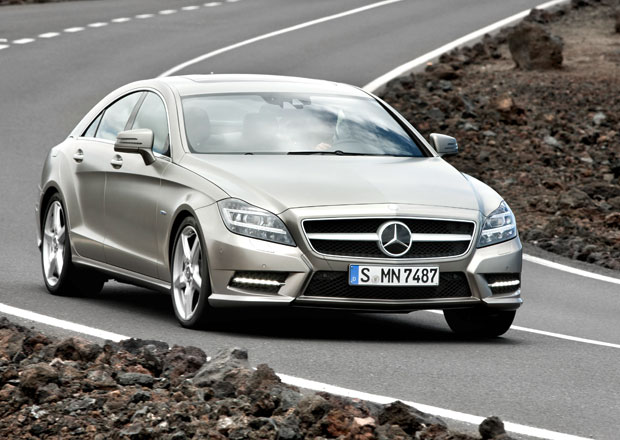 Mercedes-Benzu se nad�le da��, v lednu zaznamenal rekordn� prodeje