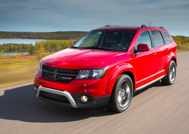 Dodge Journey Crossroad: Americký Freemont v drsnějším kabátu