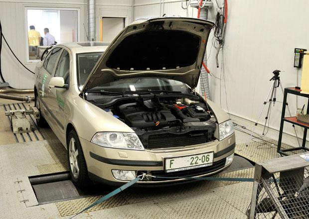 Více než polovina Čechů jezdí do neautorizovaných servisů