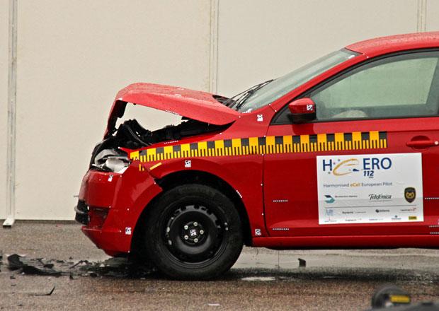 Nová auta musí sama záchranáře upozornit na nehodu