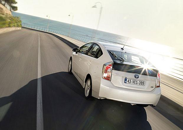 Toyota svolává 1,9 milionu Priusů kvůli softwarovému problému