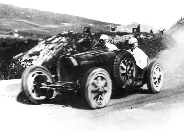 Bugatti chystá Veyron pojmenovaný po Elišce Junkové