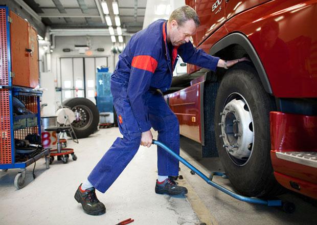 Volvo Group pokračuje v přebírání servisů Renault Trucks