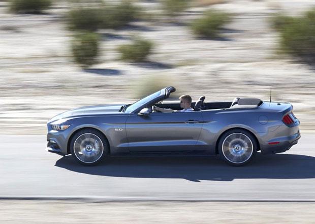 Ford Mustang: Plátěná střecha kabrioletu se složí do 10 sekund