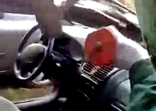 Video: Prodám Renault Laguna. Zn.: Nebouráno! (Otřesný případ z Polska)