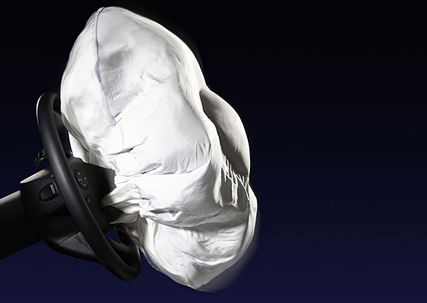 Airbagy chrání, mohou ale poškodit srdce