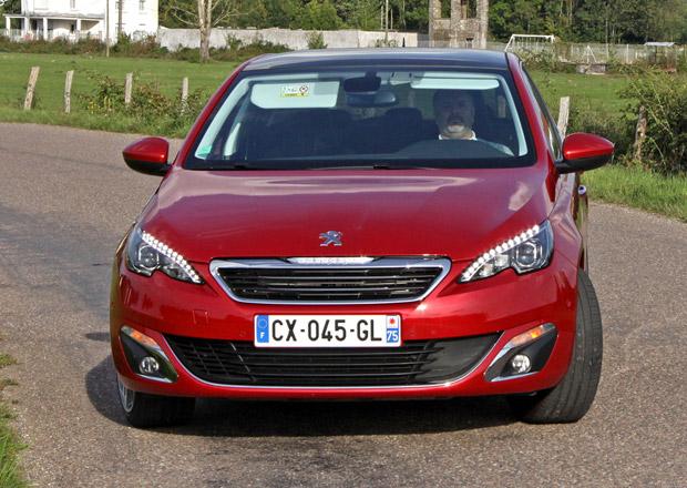 Peugeot 308: Tříválec THP stojí 416.500 Kč, dvoulitrový BlueHDi 502.000 Kč