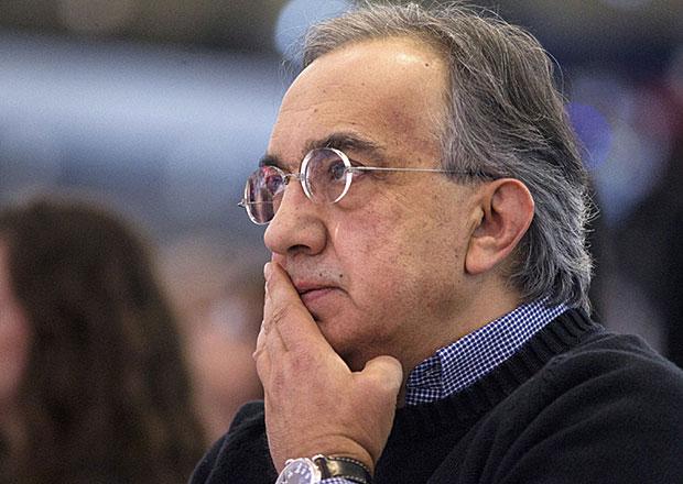 Šéfovi Fiatu klesl výdělek, i tak si loni vydělal takřka 100 milionů korun