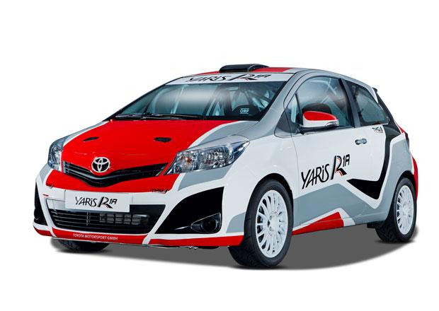 Toyota se vrací do WRC, začala testovat závodní Yaris