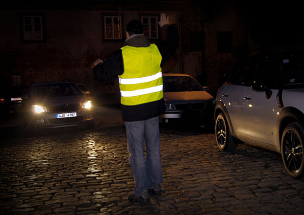 V Německu budou od července povinné reflexní vesty