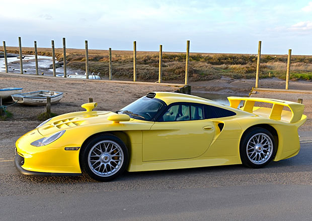Porsche 911 GT1 Evo: Vzácná silniční verze je na prodej