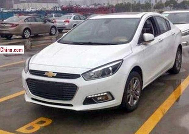 Nový Chevrolet Cruze na prvních fotografiích