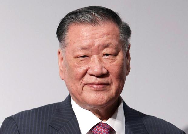 Šéf Hyundaie loni vydělal přes čtvrt miliardy korun