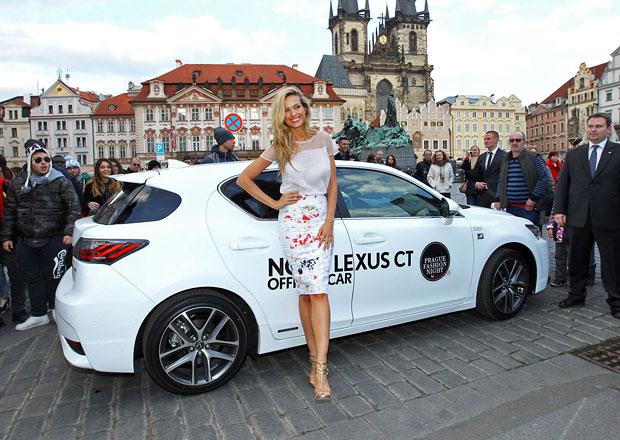 Lexus CT 200h s Petrou Němcovou míří do světa módy