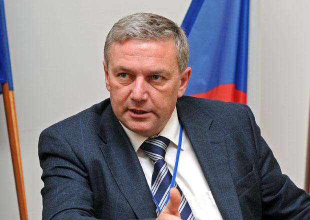 Ministr dopravy Prachař představí kabinetu dopravní projekty za 60 miliard Kč