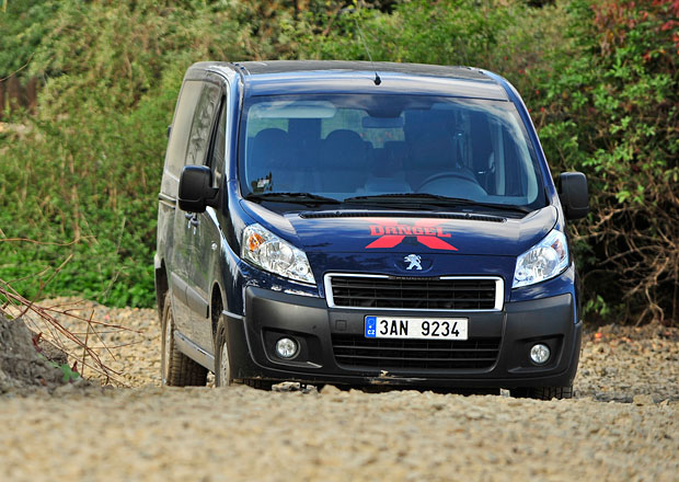 Test: Peugeot Expert 4x4 Tepee L2H1 - Transport zajištěn