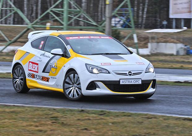 Soutěž v driftování, 4. kolo: Vítěz získá Opel Astra OPC