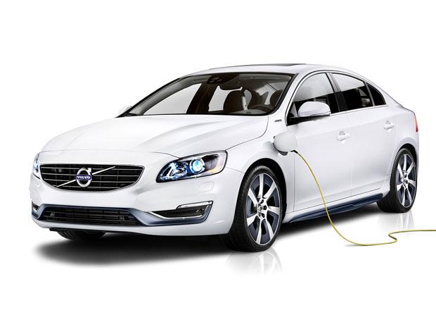 Volvo S60L PPHEV: Plug-in hybrid s dvoulitrovou spotřebou