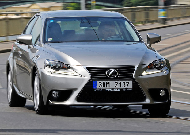 Lexus IS 250 by mohl dostat dvoulitrov� turbo