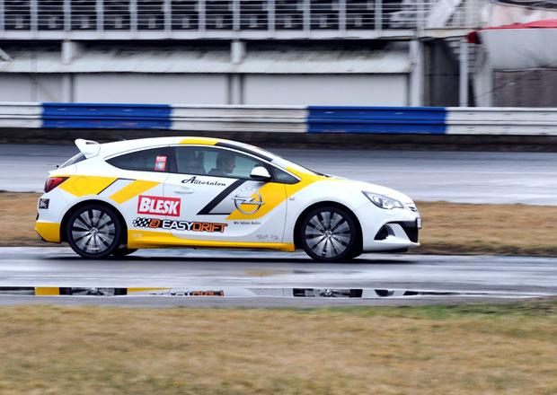 Soutěž v driftování, 7. kolo: Vítěz získá Opel Astra OPC