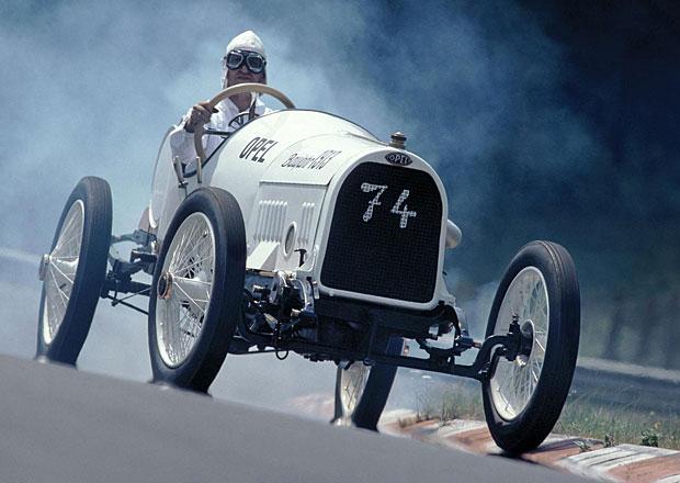 Opel oslavil sto let Grand Prix v Lyonu na původní trati