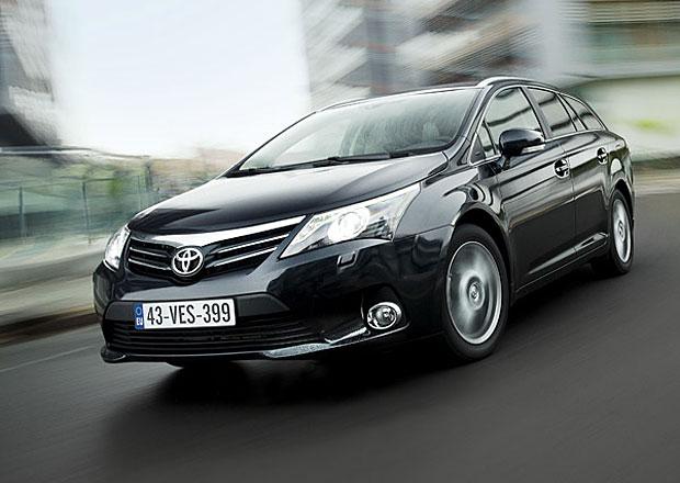 Zisk Toyoty se loni téměř zdvojnásobil