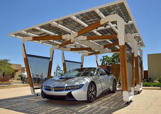 Solární nabíječka BMW jako umělecké dílo