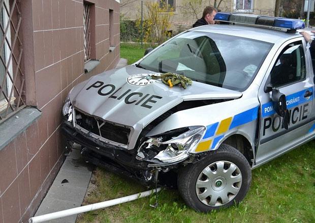 Pražská policie má málo aut, čeká na jejich opravu