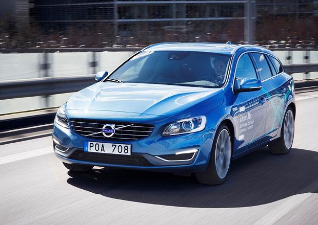 Volvo vypouští 100 aut s automatickým řízením do provozu (+video)