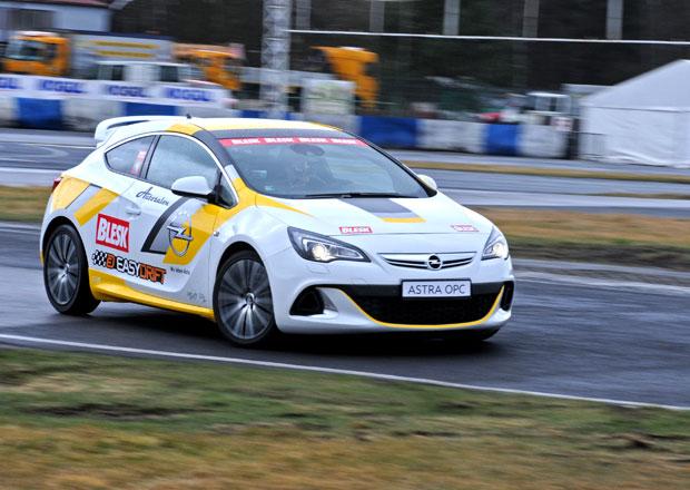 Soutěž v driftování, 10. kolo: Vítěz získá Opel Astra OPC