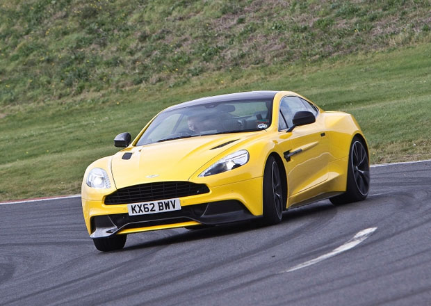 Aston Martin investuje miliony liber do roz���en� v�robn�ho z�vodu