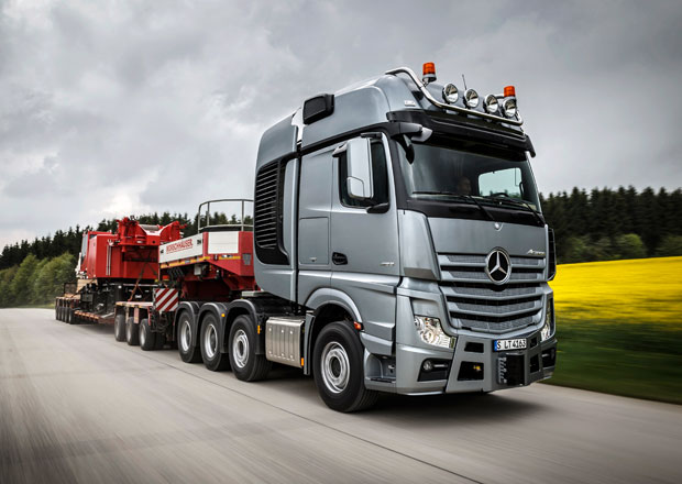 Mercedes-Benz Actros SLT a Arocs SLT pro těžkotonážní dopravu (+video)