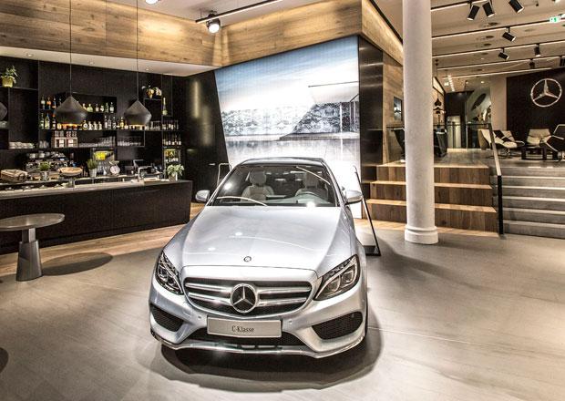 Prvn� obchod �Mercedes me� otev�en v Hamburku