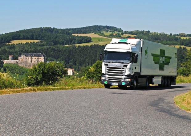 Scania: Kalendář pro rok 2015 s českou krajinou