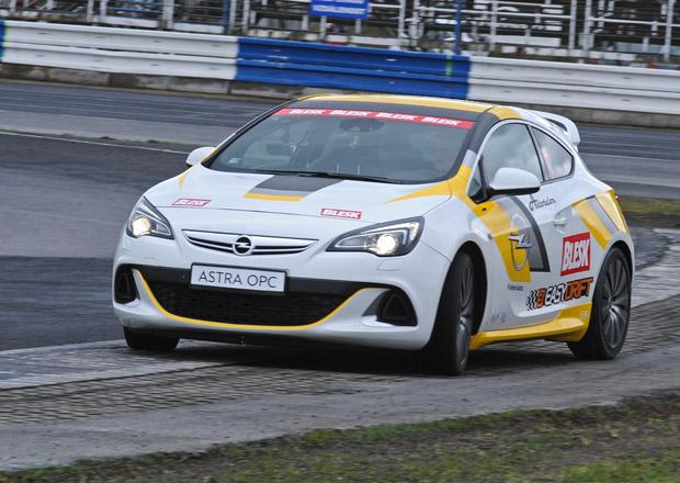 Soutěž v driftování, 15. kolo: Vítěz získá Opel Astra OPC