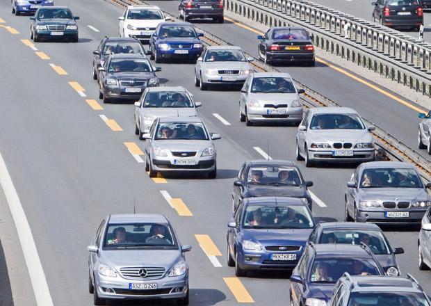 Střední Evropu čekají s příchodem prázdnin dopravní problémy