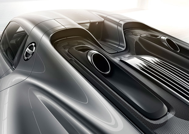 Porsche 988: V Zuffenhausenu chystají soupeře pro italské supersporty