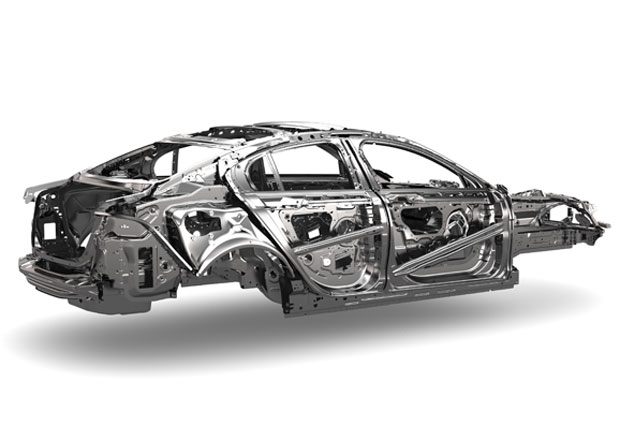 Jaguar XE přijde v září, známe i technické detaily
