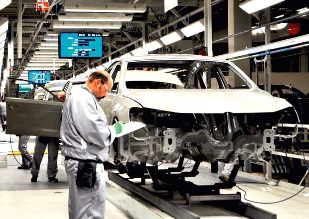 Volkswagen potřebuje ušetřit téměř 140 miliard korun