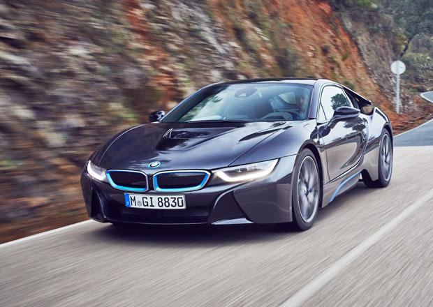 Motor roku 2015: BMW i8 bere (skoro) všechno