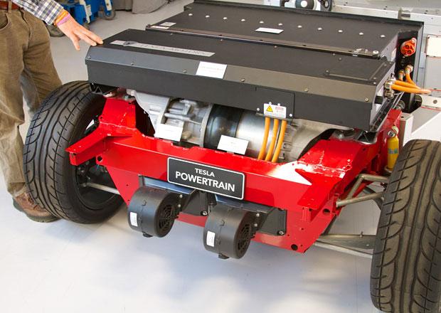 Tesla: S obří továrnou na baterie pomůže Panasonic