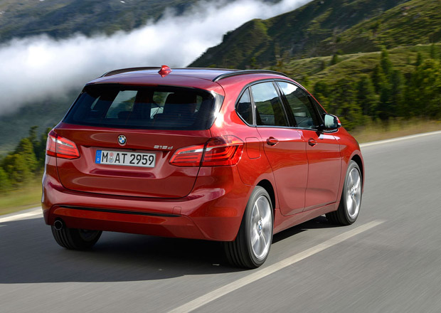 A� 40% prodan�ch BMW bude postaveno na platform� pro pohon p�edn�ch kol